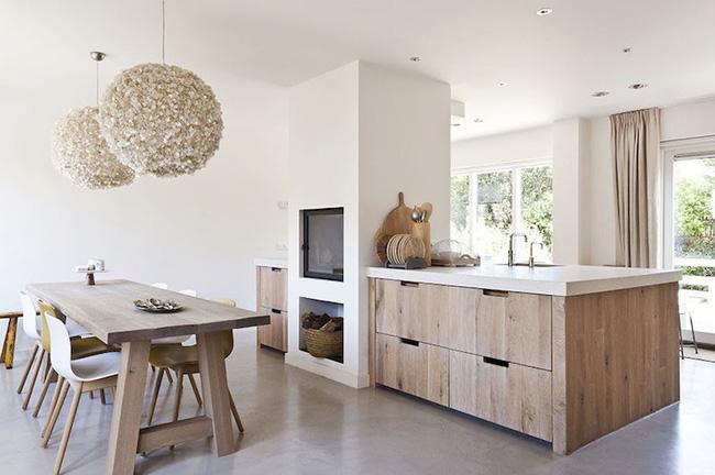 Không gian sống bỗng hóa ấm áp, sang trọng với sự có mặt của nội thất gỗ